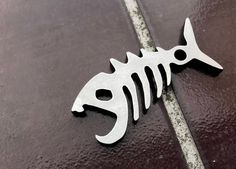 The Dead Catch - Edc Pocket Multitool Bottle Opener Prybar HEX Pirate (Steel, Copper or Brass) Diy Bottle Opener, Unique Bottle Openers, Welding Works, Cnc Plasma Table, Keychain Tools, Small Cafe Design, Laser Cut Metal, Laser Cutting, Concrete Lamp