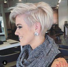 Freche kurzhaarfrisuren damen 2017 - hair styles for short hair Stylish Short Haircuts, Short Pixie Haircuts, Bob Haircuts, Sassy Haircuts, Shaggy Pixie, Short Asymmetrical Hairstyles, Messy Pixie Cuts, Straight Haircuts, Funky Pixie Cut