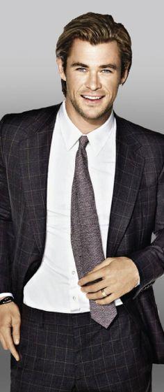 // Chris Hemsworth //