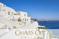 Canaves Oia Luxury Hotel in Santorini is one of the best boutique hotels in Greece, located in the scenic setting of Oia Santorini, offers a view of Caldera. Santorini Hotels, Santorini Greece, Hotels And Resorts, Santorini Wedding, Luxury Hotels, Greece Resorts, Greece Hotels, Best Boutique Hotels, Viajes