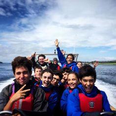 Speedboat.  Grupo de Strangford 2016⠀  ⠀  Strangford:  Campamentos con chicos y chicas locales + estancia en familia. ⠀  ⠀  El programa consiste principalmente en la realización de un montón de actividades de aventura/deporte al aire libre⠀  ⠀  #WeLoveBS #inglés #idiomas #Irlanda #Ireland #Strangford #Portaferry⠀  ⠀  ⠀
