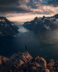 Max Rive is a talented 30-year-old photographer, adventurer and climber from the Netherlands, who runs worldwide photo tours and shoots stunning mountains and landscapes.
