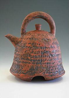 Lee Akins, ceramic art on the New Mexico Potters and Clay Artists Studio Tour, a virtual tour of ceramic art and pottery being made in New Mexico Pottery Teapots, Ceramic Teapots, Ceramic Cups, Ceramic Pottery, Pottery Art, Clay Design, Sculpture Clay, Pottery Studio, Tea Bowls