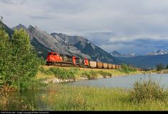 RailPictures.Net Photo: CN 8872 Canadian National Railway EMD SD70M-2 at Henry House, Alberta, Canada by Mike Danneman