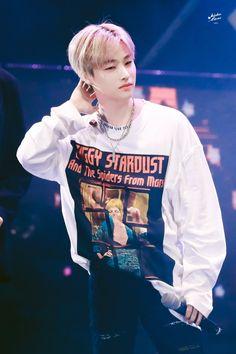 190219 Jinhwan at LF Idol Festival Bobby, Jimin, Winner Ikon, Kim Jinhwan, Ikon Debut, Kpop, Yg Entertainment, South Korean Boy Band, Justin Bieber