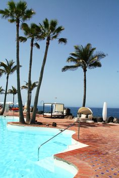 Imagine you are lying on a bed, while feeling the sea breeze... Just #relax! #hotel #jardintropical #holidays #tenerife #adeje #pool #palmtrees