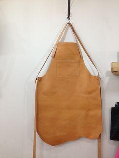 leather apron miroarte.kr Follow THE shape of THE hide!!