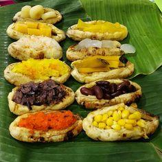 Thai Street Food, Thai Dessert, Thai Recipes, I Foods, Roots, Bakery, Food And Drink, Bread, Display
