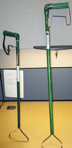 Picture of Green Garbage Grabber, Trash Tongs, pick up tool