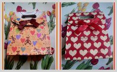 Medidas: 16,5 cms X 12,5 X 6 Ositos y corazones Rojo con corazones beiges pedidos: ettura@yahoo.es