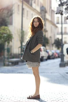 Transitional Dressing, New York & Madrid « The Sartorialist The Sartorialist, Look Fashion, Autumn Fashion, Moda Barcelona, Look Short, Short Legs, Street Style, Vogue, Ideias Fashion