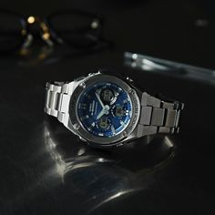 a1d166d4f2c0  Live Photos  G-Shock G-STEEL GST-W110D-2AJF with cool blue face