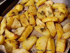 cartofi, pesmet, ulei de masline, sare, piper, cimbrisor, chimen macinat.