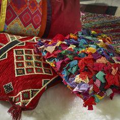 rincón boho de lectura cojines alfombras