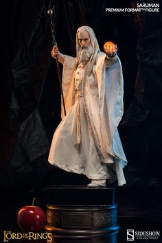 The Lord of the Rings Saruman Premium Format(TM) Figure by S | Sideshow Collectibles