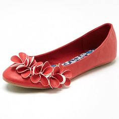 This is a Target Essentials product – Quality everyday product, at everyday low prices. Ballet flat Tasty, is a beautiful shoe and will compliment and add style to any outfit. Features include 4mm cushioned footbed and durable outsole ensuring comfort for your feet. Other colours available. Sizes 6-11.