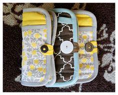 FANTASTIC AND SO EASY TUTORIAL!: a girl's emergency clutch - Gran idea usando un agarrador de cocina!!