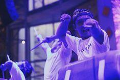 HIMMARCOM adalah sebuah himpunan mahasiswa Binus fakultas komunikasi, dengan rasa penasaran mengundang Batutara percussion dalam acara ulang tahun HIMMARCOM sebagai special performance dari acara y…