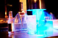 Ven a #Black y descubre nuestros cócteles de autor junto a los mejores Vodka Tonic y una gran selección de Champagne en un ambiente que te transportará a los selectos clubes privados de Manhattan.  #BlackStyle #Barcelona #PacoPerez #LaRoyale