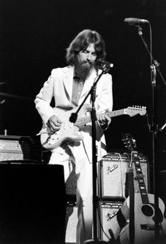 George Harrison (The Beatles) creating a milestone with Concert For Bangladesh