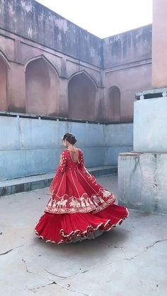 Party Wear Indian Dresses, Indian Gowns Dresses, Indian Bridal Outfits, Dress Indian Style, Indian Fashion Dresses, Bridal Dresses, Fashion Designer, Indian Designer Outfits, Chandigarh