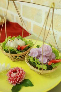 Chor Muang (Steamed Flower Shaped Dumplings) -ขนมช่อม่วง & Khanom JeebThai ( (Steamed Bird Shaped Dumplings)- ขนมจีบไทยตัวนก