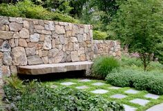 Beautiful Indian Hill Stone Wall with single piece stone bench. Pinned to Garden Design - Walls, Fences a Beautiful Indian Hill Stone Wall with single piece stone bench. Pinned to Garden Design - Walls, Fences and Screens by Darin Bradbury. Modern Landscape Design, Landscape Walls, Modern Landscaping, Backyard Landscaping, Stone Retaining Wall, Retaining Walls, Natural Stone Wall, Dry Stone, Garden Features