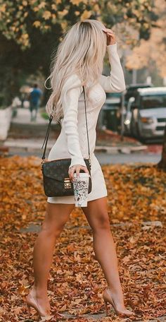 45 Beautiful Winter Outfits Ideas With White Shoes b4c2cb9a2