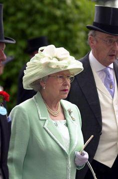 Queen Elizabeth, 2001 in Frederick Fox