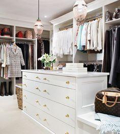 Vestidor #vestidor #luxury #walkincloset www.OakvilleRealEstateOnline.com