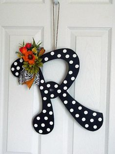 Wooden Letters for Door Decorations - Wall Letters - Monograms. Love the contrast with the flower, paper covering and door Letter A Crafts, Painted Letters, Wood Letters, Monogram Letters, Decorated Letters, Cardboard Letters, Scrabble Letters, Floral Letters, Wood Crafts