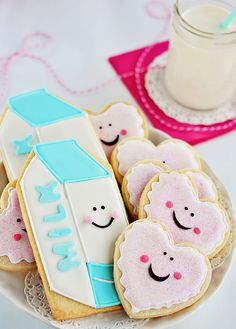 Milk and cookies cookies. i heart hearts! Chocolate Chip Cookie Dough-Stuffed Cupcakes New York Times Chocolate Chip Cookies Galletas Cookies, Milk Cookies, Iced Cookies, Cute Cookies, Cookies Et Biscuits, Sugar Cookies, Kawaii Cookies, Heart Cookies, Yummy Cookies