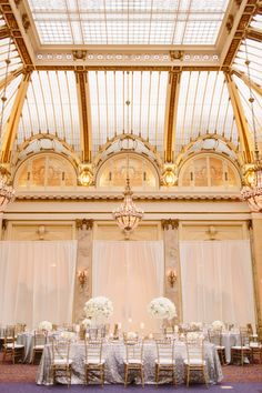 Flowers by Nancy Liu Chin Designs #nancyliuchin Photography: Meg Perotti - megperotti.com  Read More: http://www.stylemepretty.com/california-weddings/2015/04/16/elegant-san-francisco-spring-wedding/