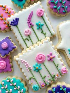 Garden Party Favors~ Springtime Sugar Cookies - so pretty ! Fancy Cookies, Iced Cookies, Cute Cookies, Easter Cookies, Cookies Et Biscuits, Cupcake Cookies, Frosted Cookies, Valentine Cookies, Birthday Cookies