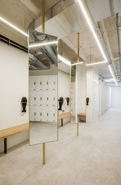 DAS-Studio Designed an Exercise Center Located in Paris,France - Home Revolution Commercial Design, Commercial Interiors, Tanzstudio Design, Dance Studio Design, Sport Studio, Gym Interior, Yoga Studio Interior, Gym Lockers, Pilates Studio
