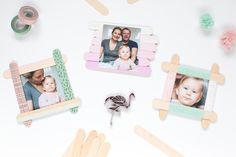 Eisstiele anmalen, bekleben oder umwickeln: So schnell bastelt ihr mit Kindern bunte Bilderrahmen aus Eisstielen (Bastelhölzer) selbst. Los geht's!