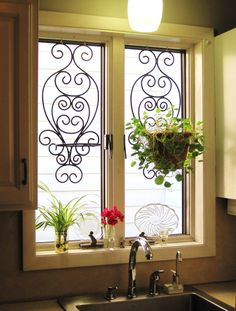 Tuscan design – Mediterranean Home Decor Kitchen Sink Window, Bathroom Windows, Kitchen Curtains, Kitchen Decor, Kitchen Sinks, Kitchen Ideas, Kitchen Centerpiece, Kitchen Plants, Kitchen Windows