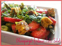From Veggie to Vegan: Salat aus Ofenspargel, Erdbeeren und Tofu - Mittwochsbox #15