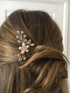 Set of 2 Rose gold bridal hair pins with pearl diamantes and