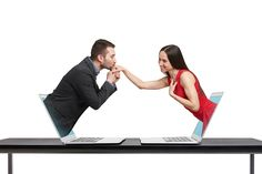 Il dating va ancora di moda? Tu che ne pensi? http://bit.ly/1LNtk3q  #bleenkablog