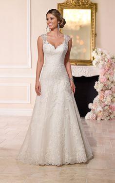 https://flic.kr/p/BfKPTD | Trouwjurken | Trouwjurken vintage, Moderne Trouwjurken, Korte trouwjurken, Avondjurken, Wedding Dress, Wedding Dresses | www.popo-shoes.nl