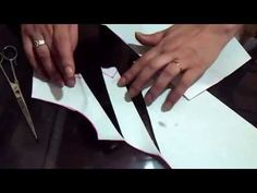 """Como hacer el trazo de la blusa con pliegues """" Peticion """" - YouTube Couture Sewing, Sewing Class, Pattern Making, Baby Dress, Dress Making, Blouse Designs, Designer Dresses, Sewing Projects, Sewing Patterns"""