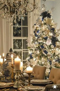 Give your Christmas home the elegant touch. Here are Elegant Christmas Home Decor ideas. These Christmas decors are simple, DIY Decors which you can do. Elegant Christmas Decor, Blue Christmas Decor, Gold Christmas Decorations, Merry Christmas To All, Noel Christmas, Beautiful Christmas, Christmas Lights, White Christmas, Christmas Cactus