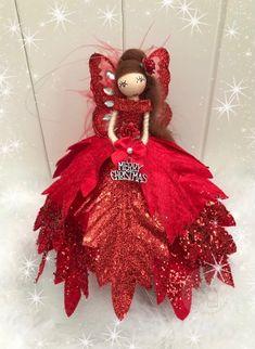 Felt Ornaments, Christmas Tree Ornaments, Christmas Crafts, Diy Yarn Dolls, Festive Crafts, Fairy Crafts, Fairy Clothes, Clothespin Dolls, Christmas Fairy