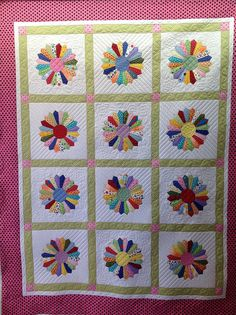 Dresden Plate | by Jessica's Quilting Studio Baby Patchwork Quilt, Applique Quilts, Baby Quilts, Dresden Plate Quilts, Star Quilts, Quilt Blocks, Dresden Plate Patterns, Quilt Patterns, Quilting Tutorials