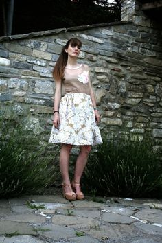 top di tulle ricamato, gonna a palloncino con fantasia floral - total look made by me Romantic Outfit, Diy Clothes, Lace Skirt, Floral Prints, Tulle, Roses, Sequins, Homemade, Skirts