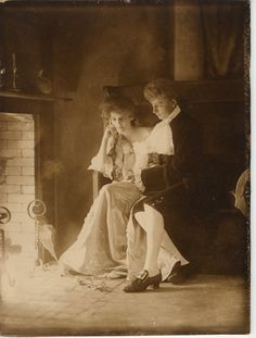 The website TinEye, to find other copies of a photo, and help identify it. Genealogy Search, Genealogy Sites, Family Genealogy, Family Research, All In The Family, My Family History, Family Roots, Ancestry, Old Photos