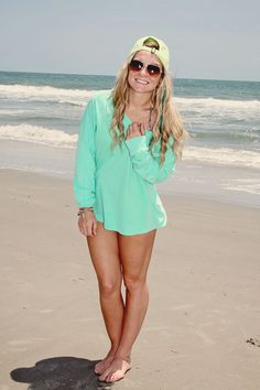 beach pic pose idea, senior pic