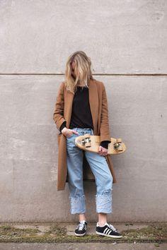 The Ten Denim Essentials (Fashion Me Now) Adidas Gazelle Outfit, Adidas Outfit, Adidas Gazelle Women, Fashion Me Now, Fall Fashion, Zapatillas Adidas Gazelle, Black Gazelles, Adidas Originals Gazelle, Nouveau Look
