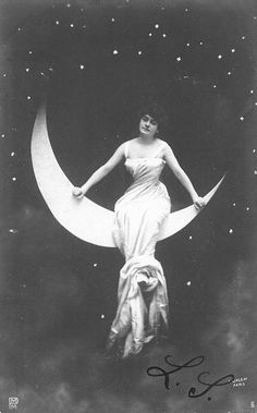 Vintage Crescent Moon Lady